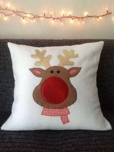 Cojines navideños: Rodolfo, el reno.