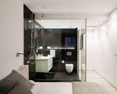 9 ideas para abrir tu dormitorio a otra estancia #hogarhabitissimo Black White Bathrooms, Design Minimalista, Bathtub, Loft, House Design, Mirror, Interior Design, Furniture, Home Decor