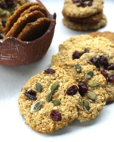 μπισκότα με σουσάμι Cupcake Cakes, Cupcakes, Healthy Eating Recipes, Cookies, Biscotti, Food And Drink, Sweets, Snacks, Baking