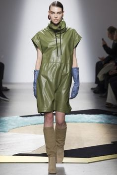 6b8a9d7a2e5e 40 best Designer Collections images on Pinterest   Fashion show ...