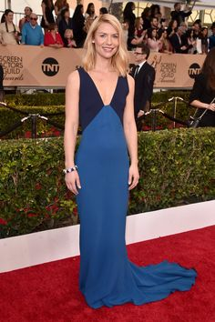 Fabulously Spotted: Claire Danes Wearing Stella McCartney - 2016 Screen Actors Guild Awards - http://www.becauseiamfabulous.com/2016/01/31/fabulously-spotted-claire-danes-wearing-stella-mccartney-2016-screen-actors-guild-awards/