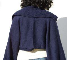 Scialle blu coprispalle fatto a mano a maglia