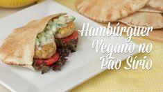 Mini Hambúrguer de Feijão Branco e Quinoa no Pão Sírio com Molho de Pepino