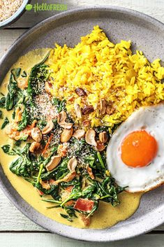 Yellow rice with spinach coconut curry Recipe Healthy Summer Recipes, Vegan Recipes Easy, Veggie Recipes, Whole Food Recipes, Vegetarian Recipes, Veggie Food, Rice Recipes, Food Platters, Comfort Food