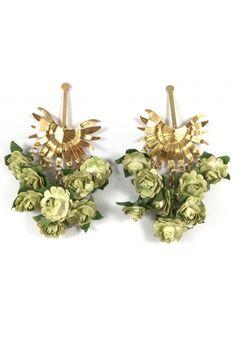 Aretes Racimo de Palma verde by Alejandra Valdivieos jewelry designer COLOMBIA Jewelry Design, Earrings, Decor, Stud Earrings, Necklaces, Colombian Women, Modern Women, Fashion Trends, Green
