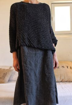 Diy Crafts - Sweater-Dress with sweater Dress with sweater History of Knitting Wool rotating, weaving and sewing jobs such as BC. Moda Crochet, Handgestrickte Pullover, Mode Outfits, Mode Inspiration, Pulls, My Wardrobe, Dressmaking, Knitwear, What To Wear