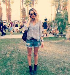 Arielle Vandenberg x Re/Done #DenimInTheDesert #Coachella #DenimShorts #ShopRedone