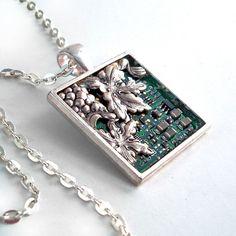 Circuit Board Pendant - Industrial Techno Geek Steampunk Handmade Jewelry #EasyPin