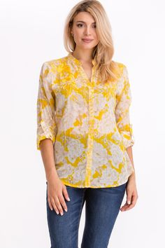 Fashionable Plus Size Clothing, Floral Tops, Floral Prints, Goa, Plus Size Outfits, Tunic Tops, India, Colorful, Embroidery
