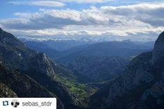Desfiladero de la Hermida  desde el Mirador de Santa Catalina. Imagen enviada por @sebas_stdr. Gracias por compartir. #desfiladerodelahermida #liebana #miradordesantacatalina #cantabriasan #cantabria #turismo #cantabriayturismo #cantabria_y_turismo #cantabriainfinita #cantabros #cantabricamente #cantabriaverde #cantabriarural #igerscantabria #paseucos #paseúcos #cantabriamola #igercantabria #igcantabria #fotocantabria #follow #picoftheday #instapic #fotodeldia #pasionporcantabria…
