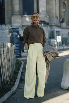 Street Style París - ELLE.es - Straight from the Paris Fashion Week are all the street styles that the fashion world is eager to copy!