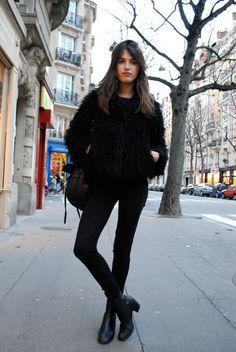 Jeanne Damas La Parisienne porte du noir