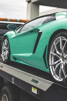 johnny-escobar:  Lamborghini Aventador