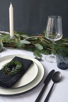 Christmas table with the harness series Serum by Br . - Weihnachtstafel mit der Geschirrserie Serum von Br… – … Christmas table with the harness series Serum by Br … – the - Christmas Table Settings, Christmas Tablescapes, Christmas Table Decorations, Decoration Table, Holiday Tablescape, Outdoor Decorations, Dinner Sets, Dinner Table, Scandinavian Christmas