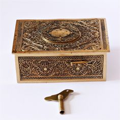 music boxes antique | ... BOX BIRD AUTOMATON MUSIC BOX c1930s VINTAGE WOODEN MUSIC BOX PIANO