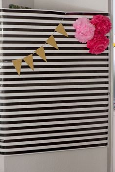 Host a Kate Spade Birthday Party! These ideas are inspired by Kate Spade stripes and pink and is the perfect birthday party! Get free printables and food ideas for a Kate Spade Birthday Party! 50th Birthday Party For Women, Chanel Birthday Party, Birthday Woman, 40th Birthday, Birthday Party Decorations, Birthday Parties, Kate Spade Party, Kate Spade Bridal, Diy Eid Gifts