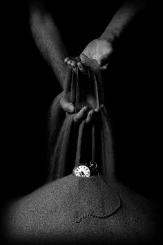 B&W photography Hands and the sand of time… Motion gif M. Alex Grey, Black And White Pictures, Black White, Shades Of Black, Photo Manipulation, Great Photos, Amazing Photos, Beautiful Pictures, Black And White Photography