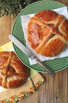 Today for dinner . Portuguese Desserts, Portuguese Recipes, Portuguese Food, Easter Recipes, Dessert Recipes, Tea Loaf, Danishes, Dessert Bread, I Foods