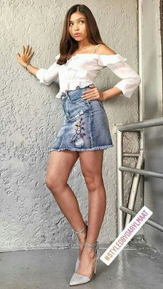 Maine Mendoza Outfit, Celebrities In Stockings, Alden Richards, Film Festival, Denim Skirt, Celebs, Filipino, Pretty, Ph