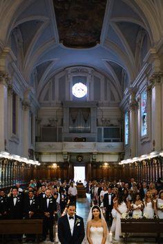 Beautiful catholic church in Tuscany as your wedding location.