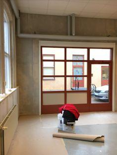 Min fotostudio blir renoverad innan jag flyttar in. Öppnar dörrarna 1 november 2016 i Småföretagshuset på Glasgatan 21 i Köping, Sverige Bunk Beds, November, Loft, Photography, Furniture, Home Decor, Photo Studio, November Born, Photograph
