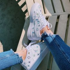 Nike Shoes OFF! ►► Behind The Scenes By ilenearellano Af1 Shoes, Nike Air Shoes, Shoes Sneakers, Yeezy Shoes, Shoes Men, Nike Shies, Aesthetic Shoes, Fresh Shoes, Trendy Shoes