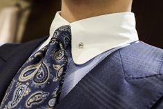 クレリック、ラウンドカラー、ピンホール… お客様に言われて気づいたけど、襟に個性を詰め込み過ぎた… #ordershirts #オーダーシャツ #クレリック #ピンホール #ラウンドカラー #mensfashion #cordinate #ordersuit #オーダースーツ