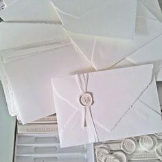 Classe e raffinatezza – Web&Cars Classic Wedding Invitations, Letterpress Wedding Invitations, Rustic Invitations, Wedding Invitation Design, Wedding Stationary, Invitation Ideas, Princess Cut Bridal Sets, Wedding Wine Bottles, Wax Stamp