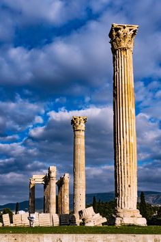 The Temple of Olympian Zeus /Styloi Olympiou - Athens, Greece