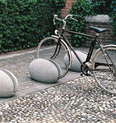 Concrete Bike Rack 102PAVO   UOVO FI.MA DI MASINI E FIGLI