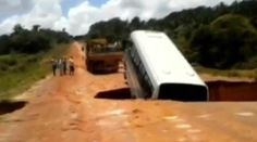 Sinkhole swallows and spits out passenger bus in Brazil http://pronewsonline.com Capture