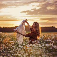 Wanderlust Self portrait  #photography #portrait #light #sunset #photoshoot #summer #sun #ideas #girl #blonde #nature #photo #flowers #map #wanderlust #art #beautiful