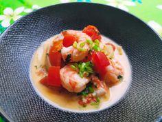 Retrouvez notre délicieuse recette de Moqueca de crevette ou Moqueca de Camarao de Bahia. Un voyage dans l'assiette tellement c'est bon  #Recette #Recipe #Cuisine #brasil #bresil #Gastronomy #Gastronomie #Food #foodporn #crevette #shrimp #moqueca #camarao #seafood Wok, Saveur, C'est Bon, Cantaloupe, Shrimp, Fruit, Bahia, Yummy Recipes, Food Recipes