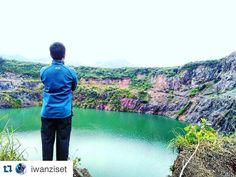 #Repost @iwanziset with @repostapp.  Sempurna tak ada apa apanya dibanding sederhana yang apa adanya  .semangat menyongsong hari yang lebih baik  . . #WeLoveBogor . Loc: Danau Quary Bogor . #rei #reioutdoorgear #nature #pic #photo  #photography #nature #naturelovers #like #liker #instagram #instafollow #like4like #adventure #travel #selfie #selfies #latepost #bogorpisan #bogorjuara #morning #mountain #mountains #indonesiajuara #lingkarindonesia #indonesia #visitbogor #explorebogor by…