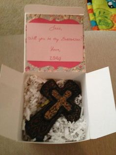 How to ask someone to be aGodmother and/or a Godfather ~ A Box with a cross to hang up (maybe with the child's name) and a cute request glued to the top of the inside lid. Baby Baptism, Christening, Baptism Ideas, Asking Godparents, Baby Owls, Baby Boy, Owl Themed Nursery, Before Baby, Baby Coming