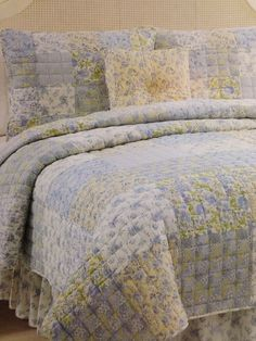 Quilt Full/Queen 5 Piece Set Shams Bedskirt Pillow Blue Shabby Cottage Chic NEW Selling in Southern Drawl eBay Store!
