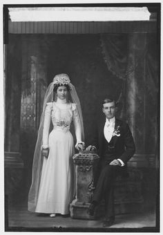 1900 bride and groom.