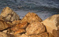 Rocas al sol. 50x79cm. 2014