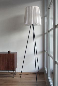 The Rosy Angelis contemporary floor lamp was designed by Philippe Starck for Flos, the leading Italian modern lighting brand. Rosy Angelis features a simple yet striking design with its tripod floor lamp base and ultra-lightweight fabric shade. Philippe Starck, Interior Exterior, Home Interior Design, Bauhaus, Modern Furniture, Furniture Design, Floor Lamp Base, Contemporary Floor Lamps, Led