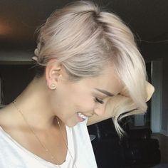 Cool-Short-Pixie-Blonde-Hairstyle-Ideas-34.jpg (820×820)