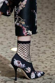 Dolce   Gabbana 2018 2019 FW RTW Milan Fashion Week Settimana Della Moda Di  Milano 1a7ec03f984