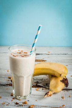 6 batidos de proteínas caseros para aumentar masa muscular. Aporta a tu cuerpo todos los nutrientes que necesitas con este concentrado de vitaminas, minerales y energía. #fitness #masamuscular #musculo #ejercicio #batidosdeproteina #protein