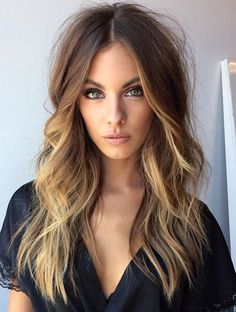 ♥️ Pinterest: DEBORAHPRAHA ♥️ Messy wavy texturized hair with blonde highlights