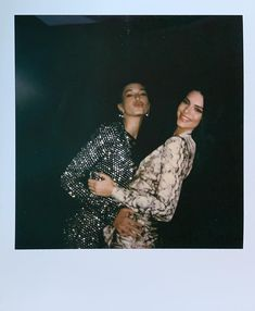 Fan Account of Hailey ( Kendall Jenner, Look Kylie Jenner, Kardashian Jenner, Best Friend Pictures, Friend Photos, Hailey Baldwin, Polaroid Pictures, Polaroids, Best Friend Goals