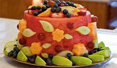 Mon ikke denne frugtlagkage tager kegler, hvis du serverer den til juniors næste fødselsdag? Foto: Thec10.com