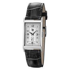 Petite et raffinée, cette montre mixte de la collection T18 est signée LIP. Elle arbore un petit boîtier rectangulaire argenté, un cadran chromé, ainsi qu'un...