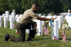 """gunrunnerhell: """" """"And they who for their country die shall fill an honored grave, for glory lights the soldier's tomb, and beauty weeps the brave. Memorial Day Pictures, Memorial Day Quotes, Happy Memorial Day, Sand Quotes, Memorial Day Celebrations, My Fellow Americans, Greetings Images, Religious Images, Military Veterans"""