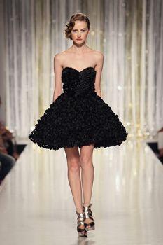 Petite robe noire Petite Robe Noire, Tenue, Haute Couture, Tony Ward, Elie c50ff452f6c4
