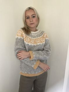 Bronte wearing my latest hand knit Lopi made for Hand Knitted Sweaters, Sweater Knitting Patterns, Lace Knitting, Knit Patterns, Chunky Crochet, Knit Crochet, Norwegian Knitting, Fair Isle Knitting, Raglan
