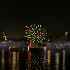 Big Tree: Colorful Tree Over the Amstel, una instalación de Jacques Rival.